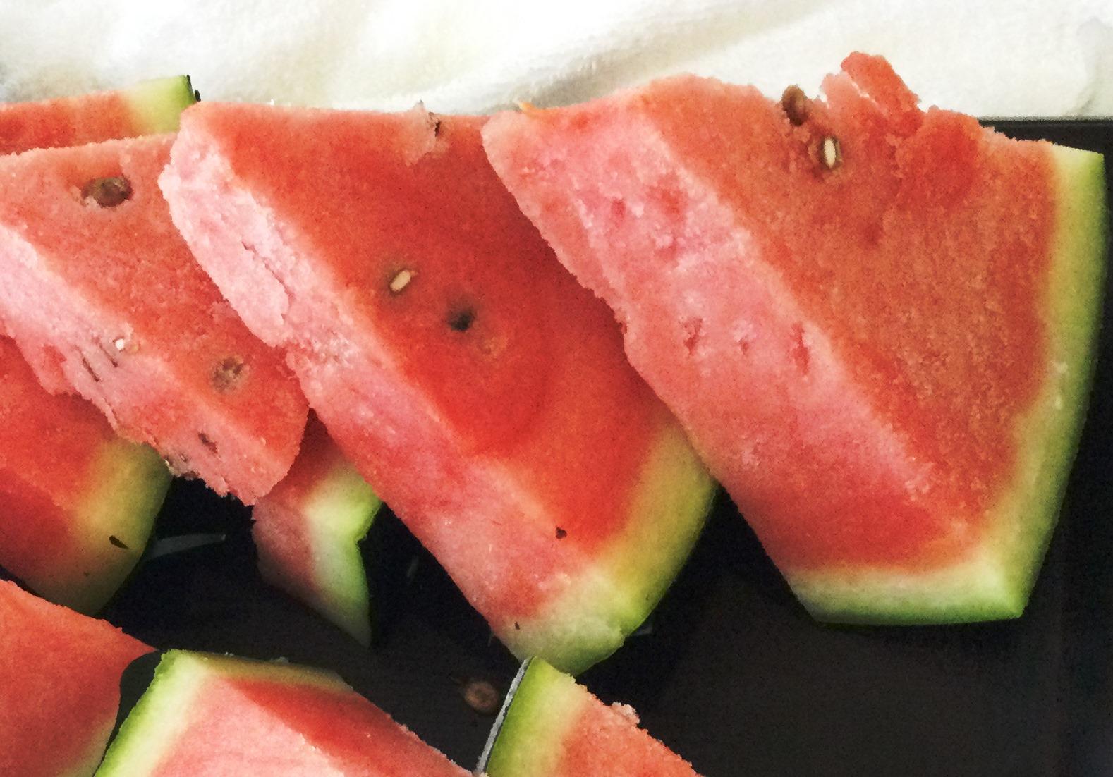 記事 暑い夏に、よく冷えたスイカを☆のアイキャッチ画像